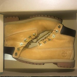 Timberlands size 4